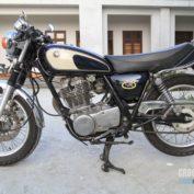 Yamaha-SR-400-2002-photo