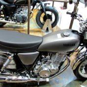 Yamaha-SR-400-2014-photo