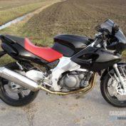 Yamaha-SZR-660-1998-photo