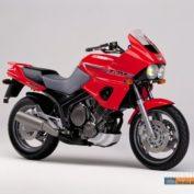 Yamaha-TDM-850-1992-photo