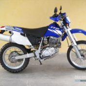Yamaha-TT-600-RE-2003-photo