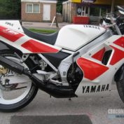 Yamaha-TZR-250-1990-photo