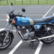 Yamaha-XS-400-1979-photo