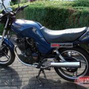 Yamaha-XS-400-DOHC-reduced-effect-1984-photo