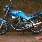 Yamaha-XS-400-DOHC-reduced-effect-1988-photo