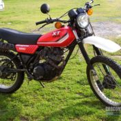 Yamaha-XT-250-1982-photo