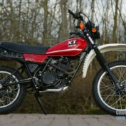 Yamaha-XT-250-1989-photo