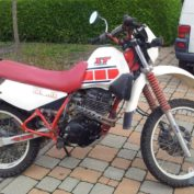 Yamaha-XT-350-1985-photo