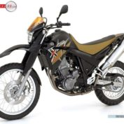 Yamaha-XT660R-2008-photo