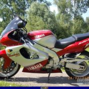 Yamaha-YZF-1000-R-Thunderace-2001-photo