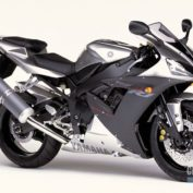 Yamaha-YZF-R1-2002-photo