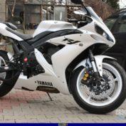Yamaha-YZF-R1-2004-photo